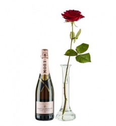 Combi deal: Rode Roos & een fles Moët & Chandon